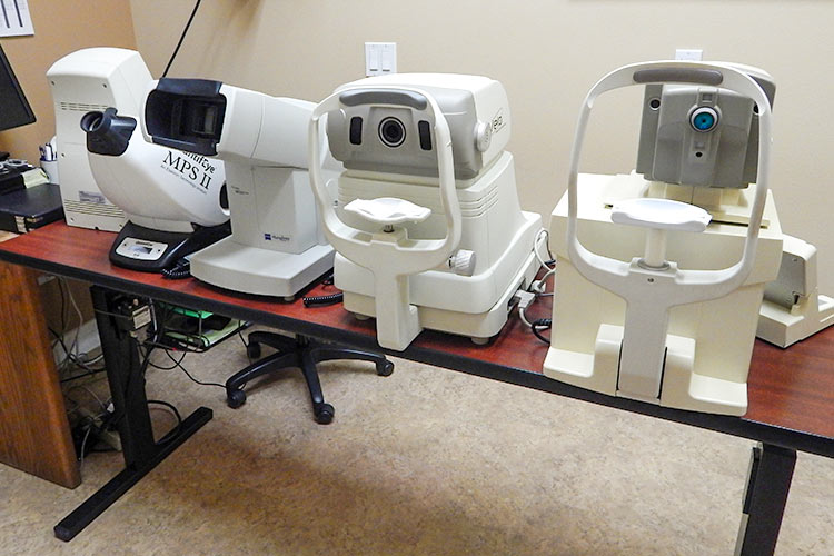 Our Technology: Optometry Diagnostic Machines at Dr. Amundsen's Office